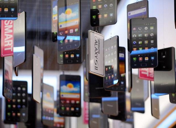 nk-samsung-smartphones-2011.jpg
