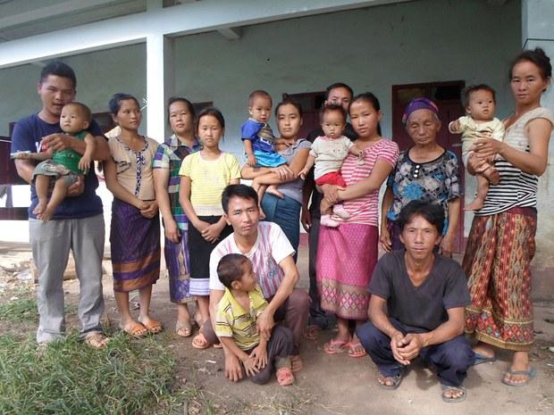 laos-christian-families-1000.jpg