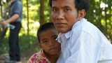 laos-don-sahong-family-nov-2013.jpg