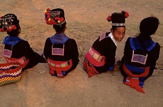 laos-hmong-girls-2013.jpg