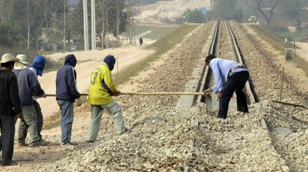 lao_railroad.jpg