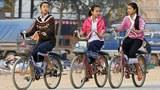 laos-girls-bikes-305.jpg