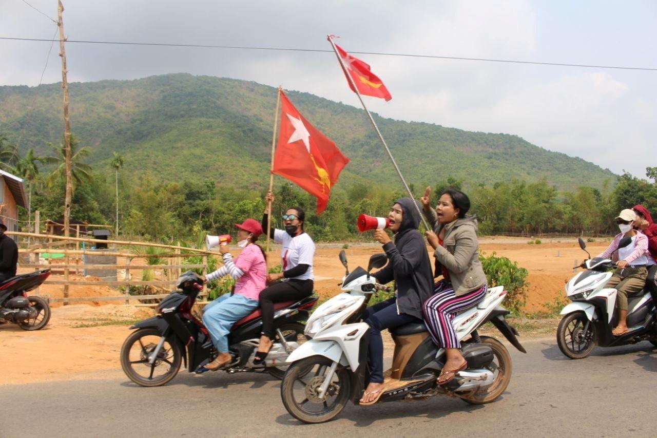 2021-03-26T131958Z_205997090_RC2ZIM900TY6_RTRMADP_3_MYANMAR-POLITICS-PROTESTS.JPG