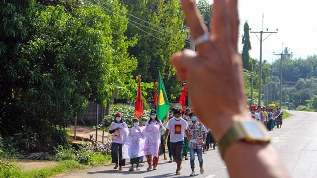 myanmar-protesters-salute-dawei-tanintharyi-apr28-2021.jpg