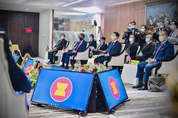 ASEAN Leaders Meet, Call for Immediate Stop to Violence in Myanmar