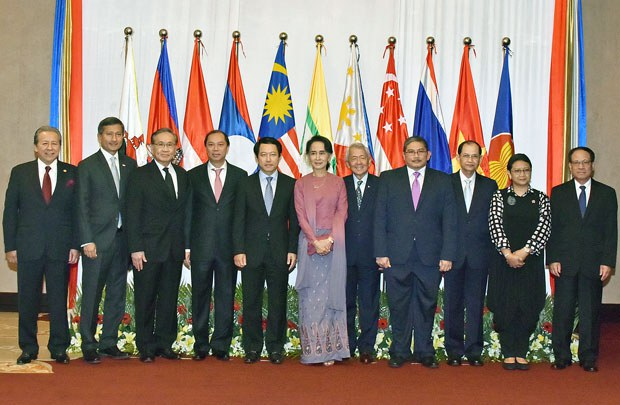 myanmar-assk-asean-foreign-ministers-yangon-dec19-2016.jpg