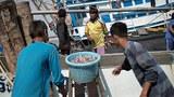 myanmar-migrant-workers-boat-thailand-dec3-2014.jpg