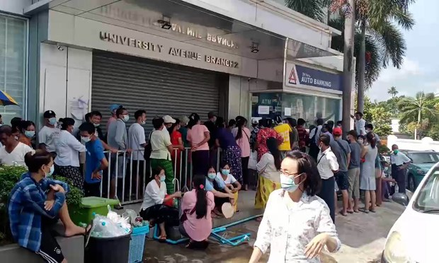 Myanmar Banking System 'Near Collapse' as Customers Make Fewer Deposits, More Withdrawals