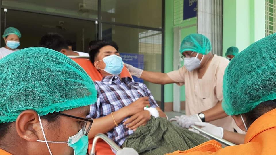Teenager Killed, Civilians Injured in Crossfire of Battle in Myanmar's Rakhine State