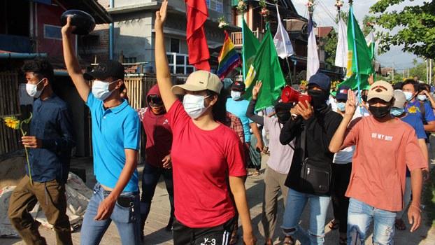 myanmar-anti-coup-protesters-dawei-thanintharyi-apr21-2021.jpg