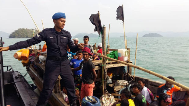 Thai Admiral: Navy Patrols Fail to Find Rohingya Boat