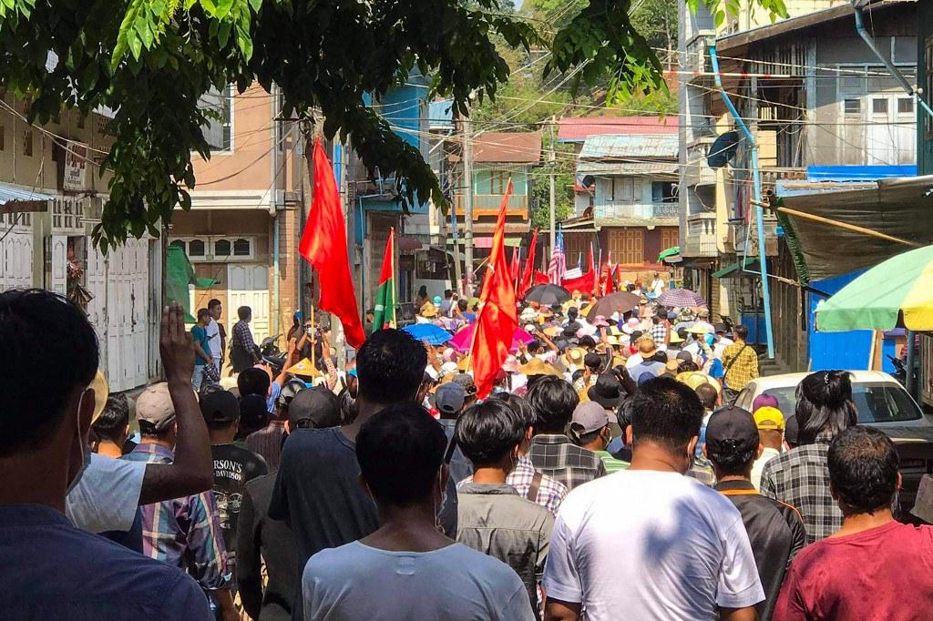 Myanmar Junta Targets Civilians in Siege of Chin Town Where Militia Fought Back