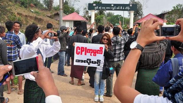 myanmar-myitsone-dam-protest-kachin-state-march14-2014.jpg
