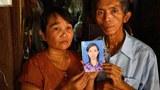 myanmar-parents-student-activist-phyo-phyo-nov13-2015.jpg