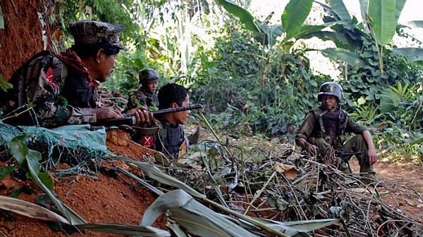 myanmar-kachin-soldiers-hka-mountain-kachin-state-jan20-2013.jpg