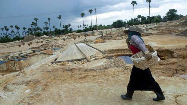 myanmar-mining-monywa-sagaing-aug31-2013.jpg