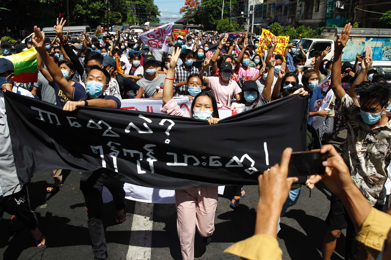 Protests, Armed Clashes Highlight Tensions on 100th Day Since Myanmar Coup