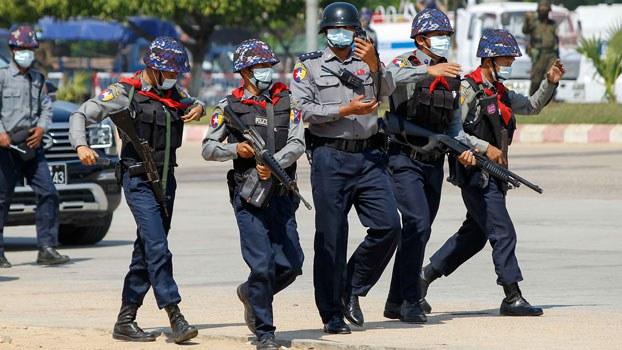 myanmar-security-forces-protest-pyinmana-naypyidaw-feb22-2021.jpg