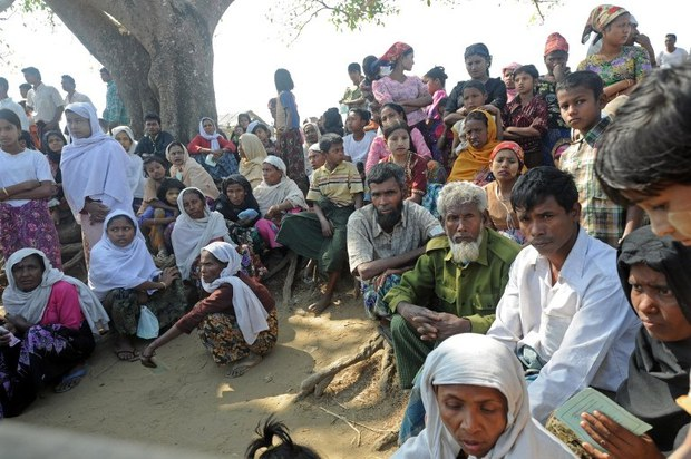 myanmar-rohingya-aid-feb-2014.jpg