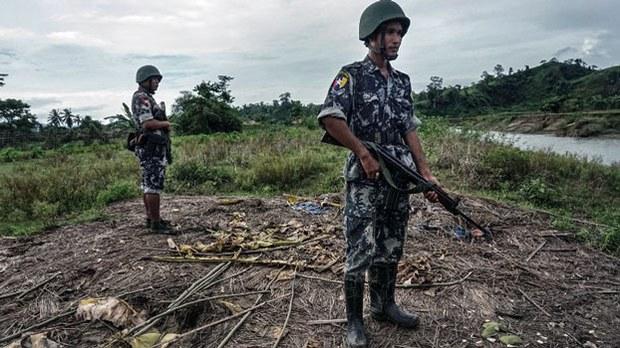 myanmar-border-police-buthidaung-rakhine-july14-2017.jpg