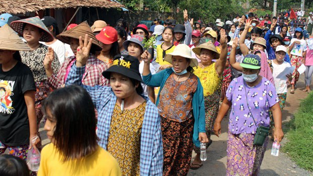 myanmar-anti-coup-protesters-dawei-thanintharyi-apr23-2021.jpg