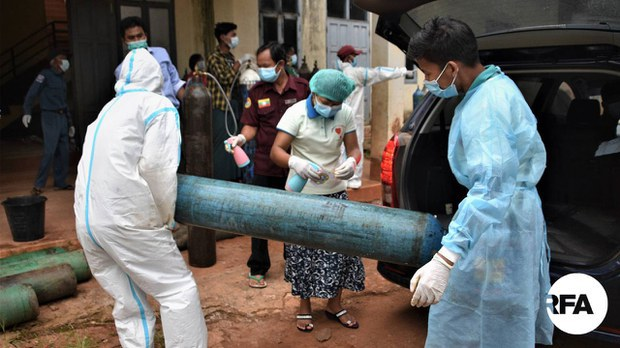 Oxygen is distributed to COVID-19 patients in Lashio, in northern Shan State, in an undated photo. RFA