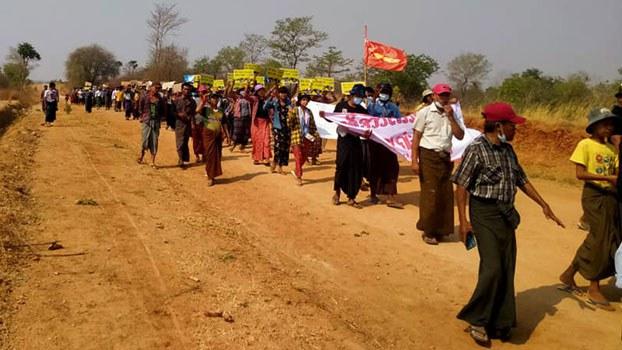 myanmar-protesters-natmauk-magwe-apr22-2021.jpg