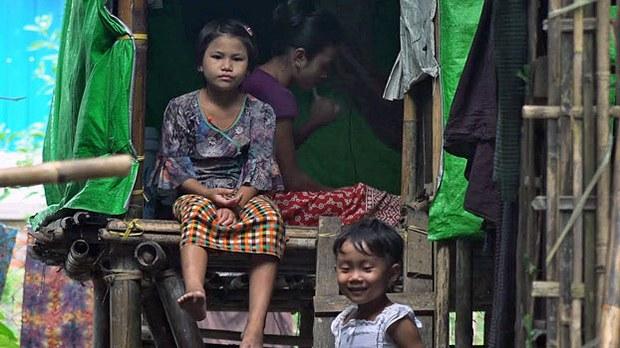 Myanmar Villagers Return to Refugee Camps Amid Fears of Renewed Fighting in Rakhine State