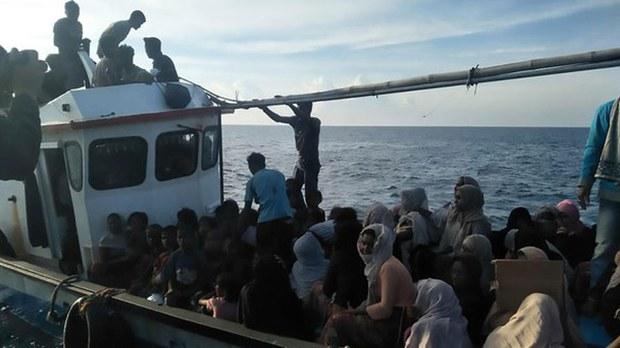 indonesia-rohingya.jpg