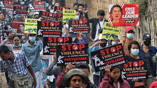 Myanmar Crackdown on Protesters Kills 25 as Junta Imposes 24-Hour Mobile Internet Shutdown