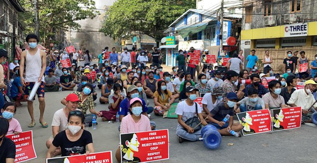 myanmar-protesters-hlaing-twp-yangon-mar31-2021.jpg