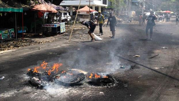 myanmar-protesters-tamwe-twp-yangon-mar31-2021.jpg