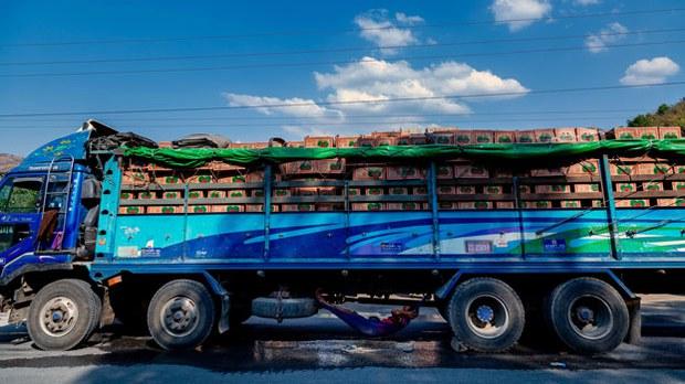 myanmar-produce-truck-shan-state-apr20-2020.jpg