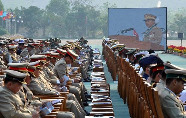 burma-military-parade-march-2013.jpg