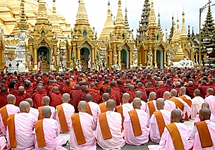 Monks and nuns take a vow to boycott religious services for Burma's military regime in Rangoon, Sept. 23, 2007. Photo credit: AFP