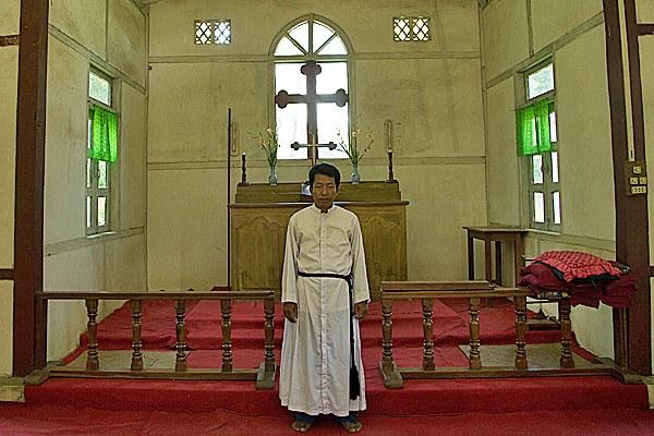myanmar-anglican-minister-july24-2013-75.jpg