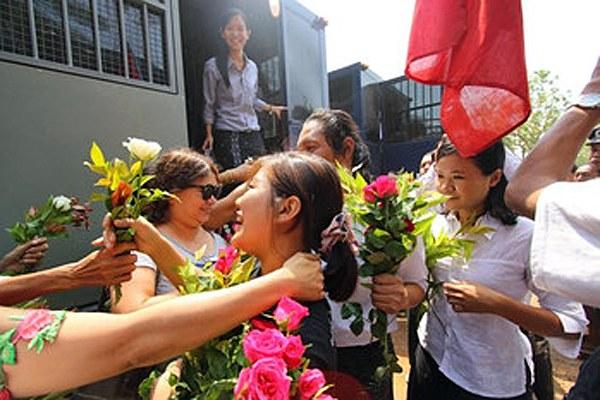myanmar-freed-students-tharrawaddy-apr8-2015.jpg