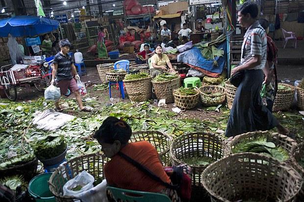 myanmar-betel-nut-vendors-july18-2015.jpg