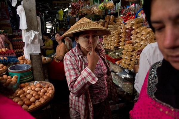 myanmar-woman-shopping-yangon-mar8-2016.jpg