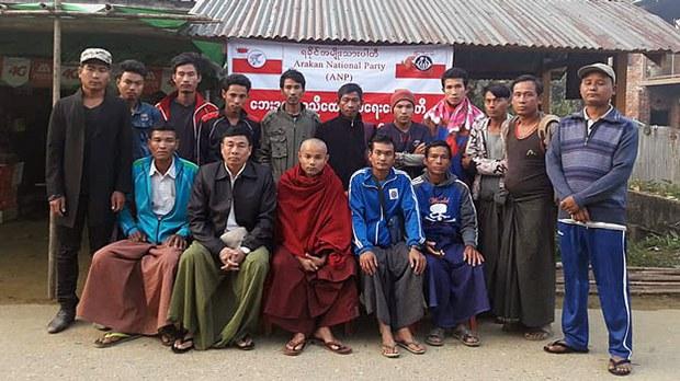 myanmar-freed-villagers-military-rakhine-state-jan14-2019.jpg