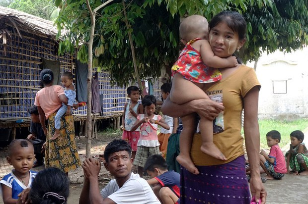 Myanmar Military, Arakan Army Confirm Indirect Talks as Some Refugees Head Home