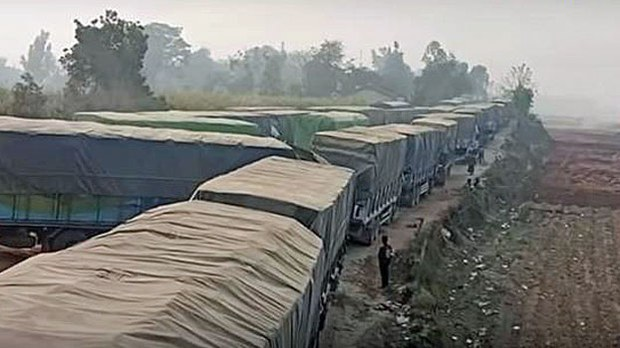 myanmar-trucks-border-crossing-kachin-apr13-2020.jpg