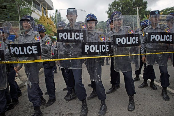myanmar-police-roadblock-yangon-july10-2016.jpg
