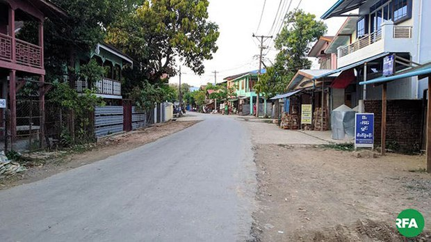 myanmar-deserted-street-mrauk-u-twp-apr2-2019.jpg