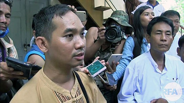 myanmar-journalist-swe-win-released-on-bail-july31-2017.jpg
