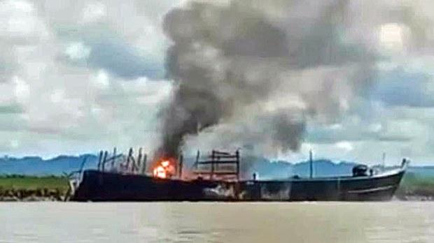 myanmar-destroyed-icrc-aid-boat-rathedaung-rakhine-oct28-2020.jpg