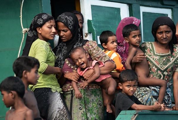thailand-rohingya-women-children-may14-2015.jpg