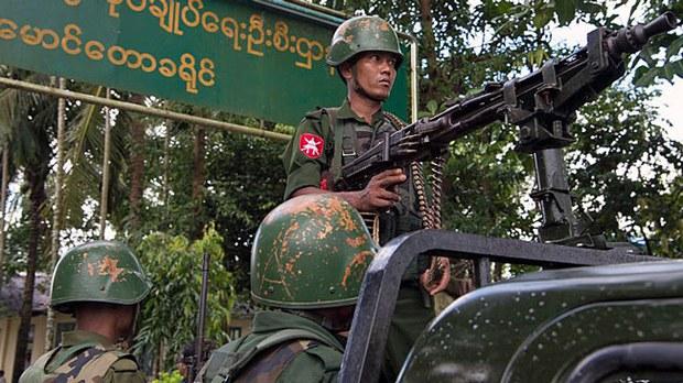 myanmar-soldiers-on-guard-maungdaw-rakhine-sept27-2017.jpg