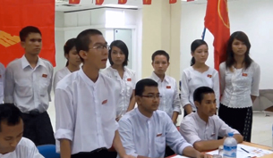 De Nyein Lin (standing) speaks at an ABFSU press briefing in June 2012.