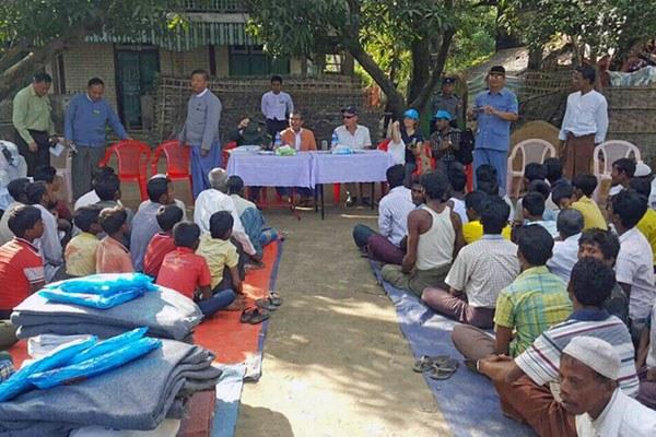 myanmar-muslims-humanitarian-aid-maungdaw-rakhine-dec11-2016.jpg